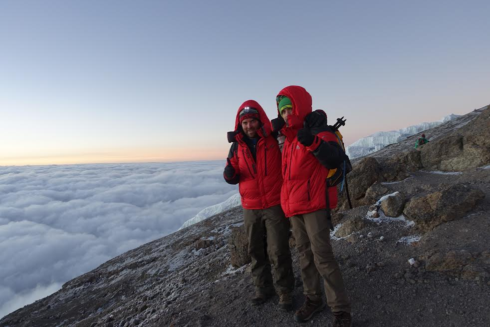 Kilimanjaro_head_above_clouds